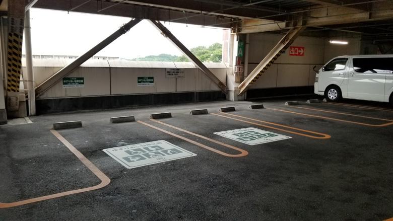 床面へのおもいやりスペース告知シート施工完了後遠景