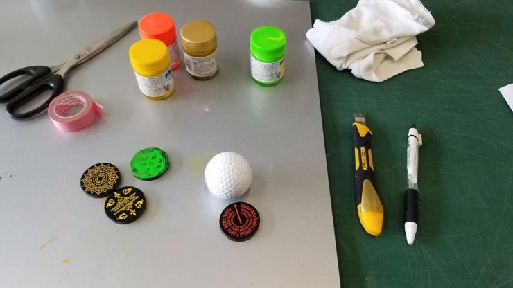 ゴルフマーカーの製作材料
