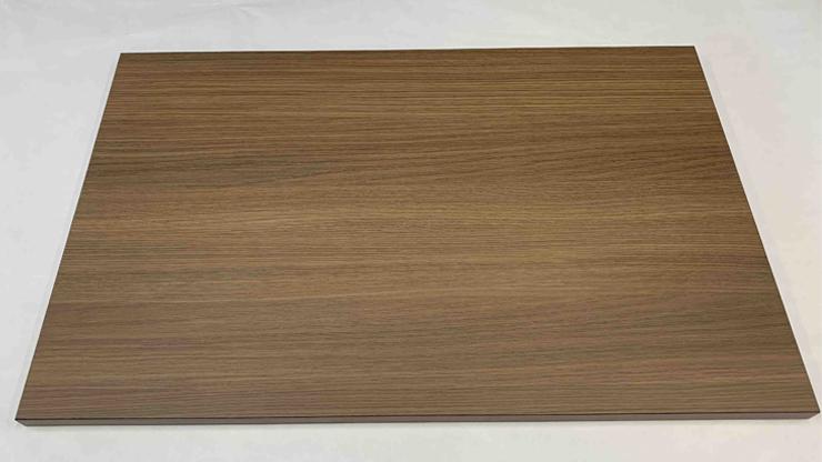 メラミン化粧板を施した木製天板