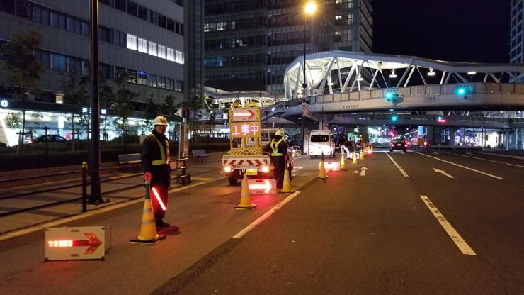 夜間工事に伴い大規模な交通規制を行いました